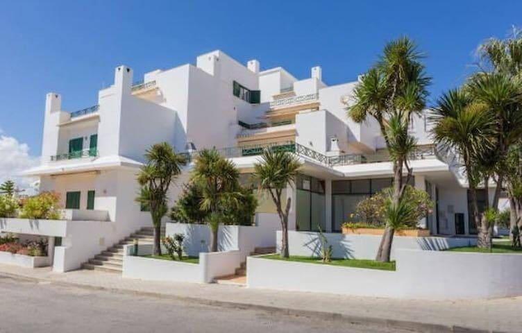 Edificio Torre da Colina, Praia Maria Luisa