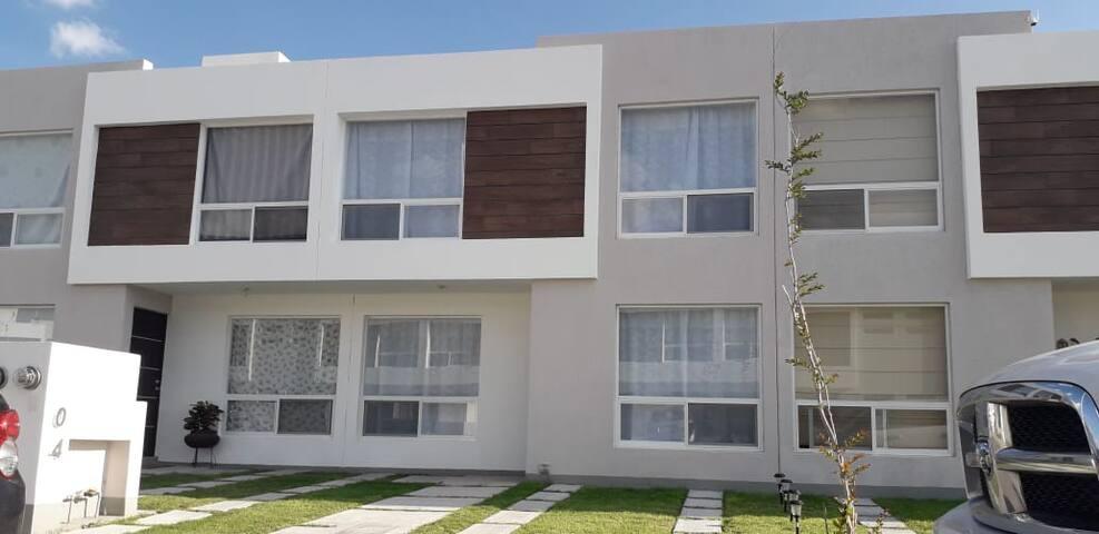 Hermosa casa, cómoda y con amenidades