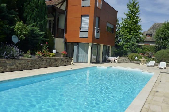 Appartement rez de jardin 35m² avec piscine