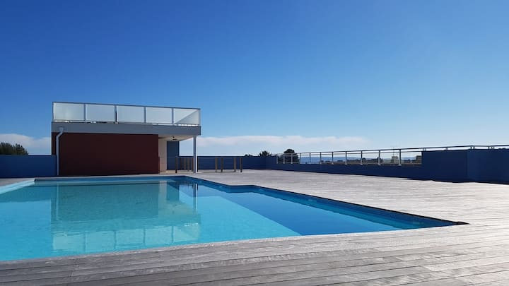 Spacious T3 with terrace 30m2 / Private garage / Residence with swimming pool on the roof and panoramic terrace