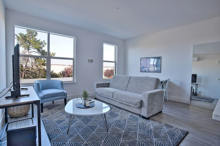 Stylish 1BR Apt Near FB HQ