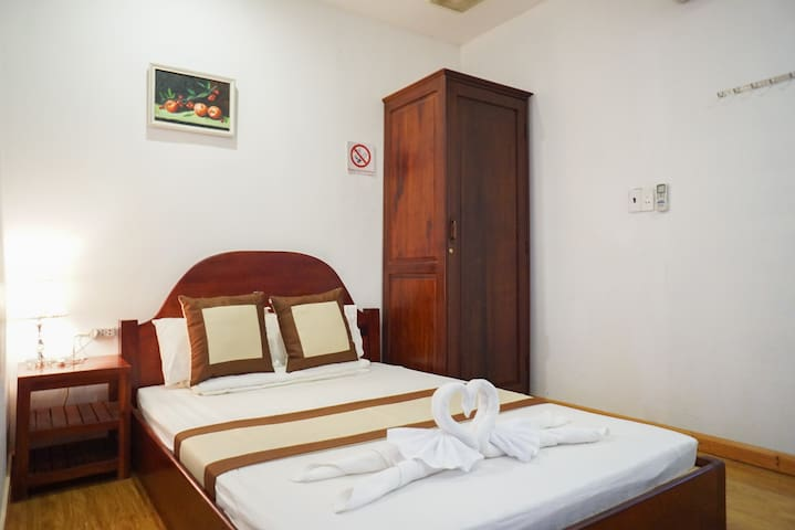 Double bed room with warm space 2