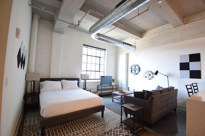 Historic Studio Loft | Walkers Point/Third Ward