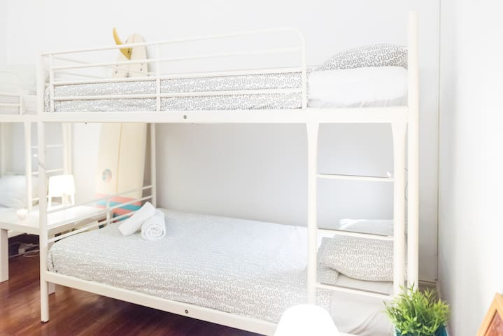 Surf Guest House-Porto-Bed in a 4 pax Shared Room