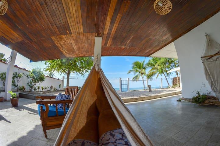 Casa Greca, Beach Front House!