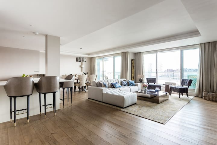 Chelsea Crescent by onefinestay