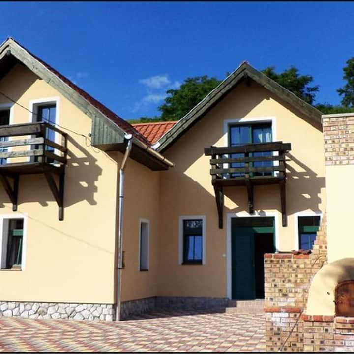 Ostorosi Guest house