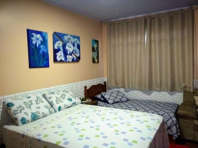 Suite completa com cozinha, com ar condicionado,