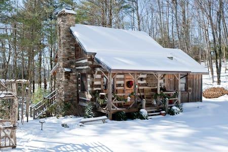 Antique Log Cabin Near Boone - Fleetwood