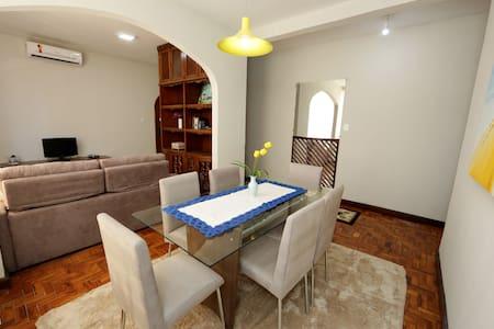 Apartamento em área central de Campo Grande