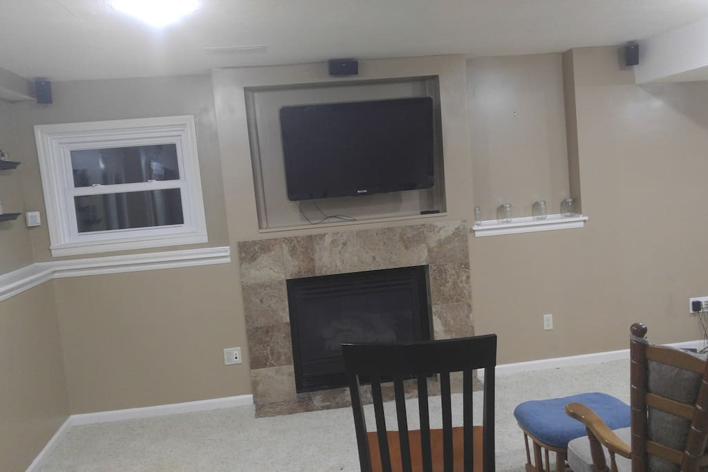 TV (with ChromeCast and Wi-Fi) and Fireplace