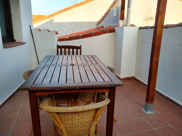 Apartment with 2 bedrooms in San Martín de Valdeiglesias, with wonderful mountain view and furnished terrace