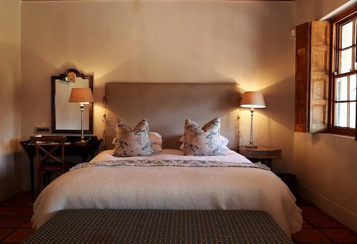 Avondrood Guesthouse - Deluxe Room