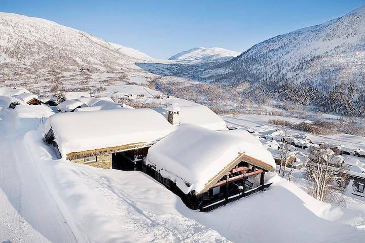 Large cabin in Myrkdalen