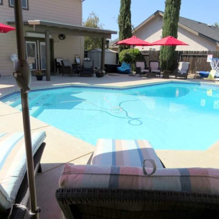 Parlor games and pool - spacious, welcoming home.
