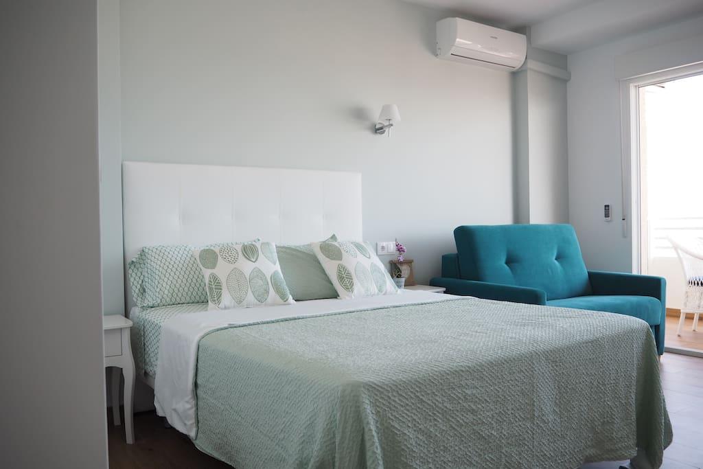 Acogedor estudio con cama de 150 y sofá cama de 90