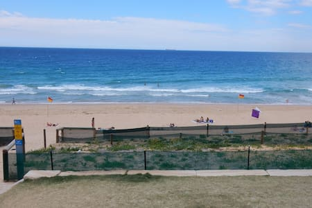 By the Beach and SB Golf club, self contained. - Shelly Beach