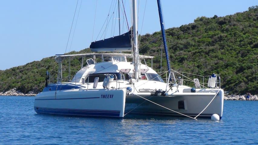 Segel Katamaran Tweeny in den Grenadinen