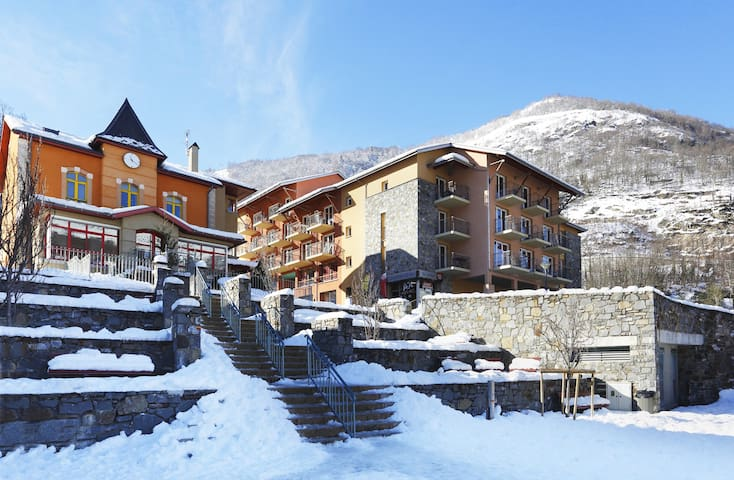 Appartement de montagne avec accès piscine intérieure | Proche du centre !