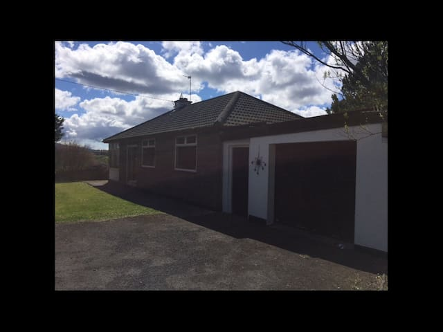 Beautiful bungalow peaceful area - Ennistymon  - Bungalow