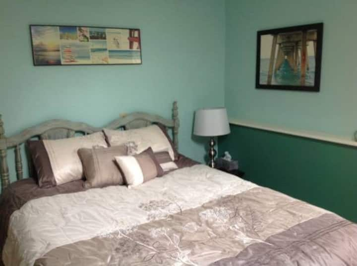 Families Welcome: 3 Bdrm Suite 10 Min from I-80!