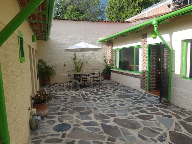 CASA MATEO - In the heart of Ajijic Village