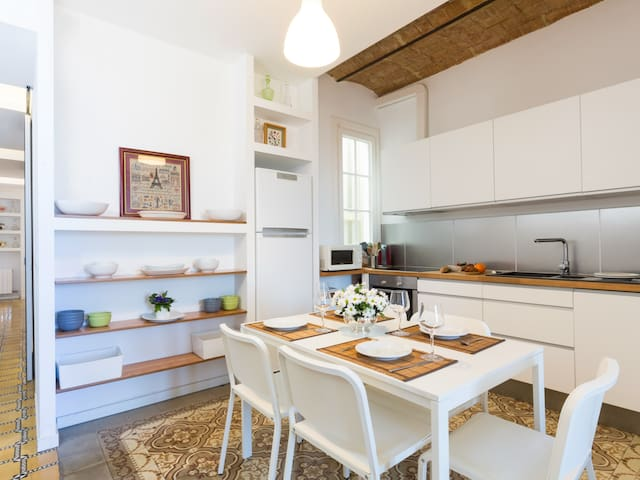 Stylish apartment in Gracia neighborhood