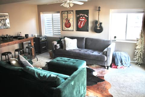 Music Inspired Guest Suite! Private Everything!