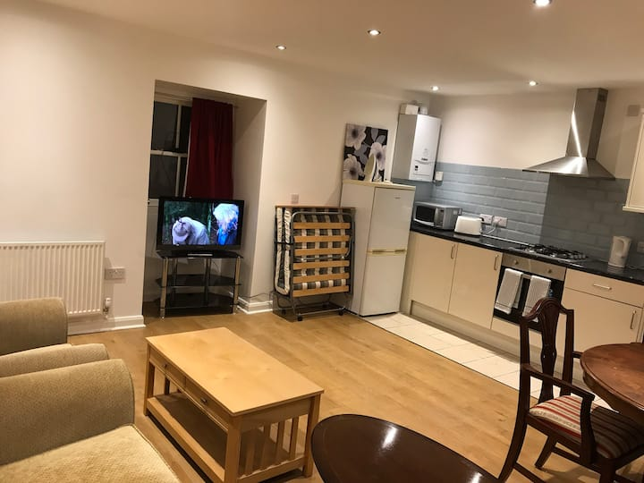 Entire brand new flat with 2 double bedrooms