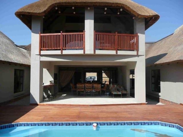 69 Zebula  (10 guests) - Bela Bela - South Africa