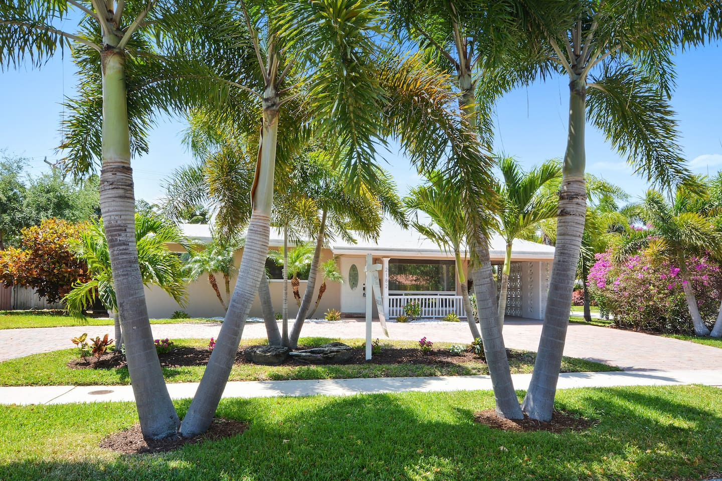 Tropical Oasis - Houses for Rent in Fort Lauderdale, Florida, United ...