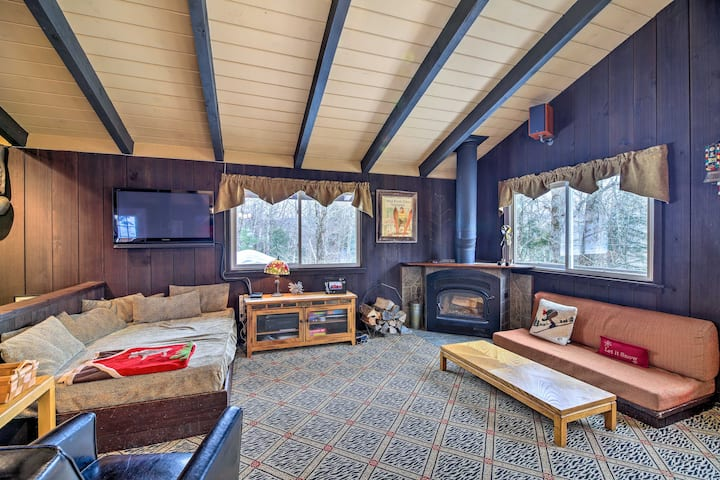 NEW! All-Season Mountain Retreat, 4 Mi to Ski Lift