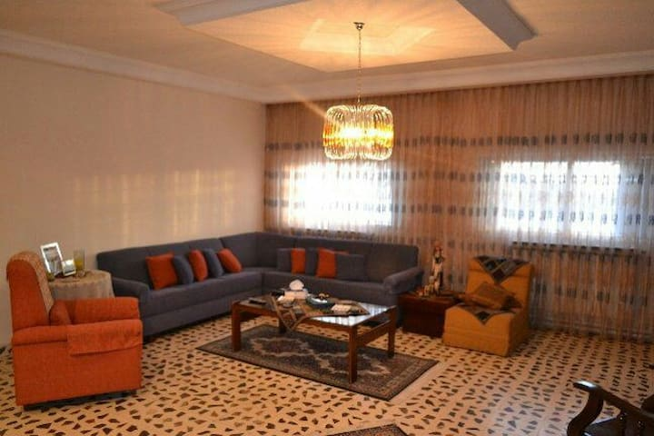 Three bedroom 250 sqm with terrace - Madaba - Apartemen