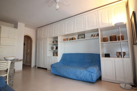 *WiFi * great seaside apartment in Tenerife South - Las Galletas - Leilighet