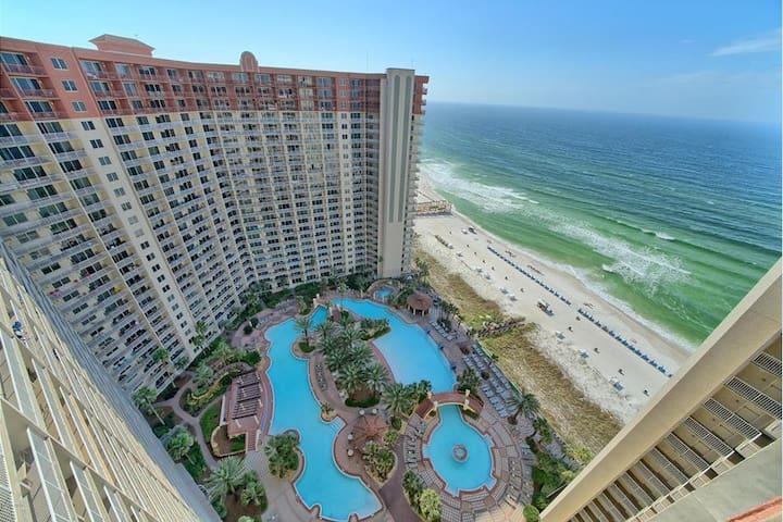 Breathtaking Views Shores of Panama Penthouse!