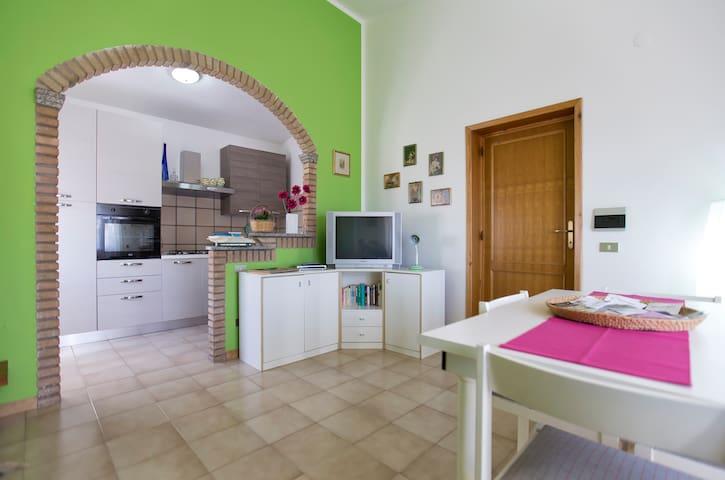 Luminoso appartamento centro città - Bosa - Apartment