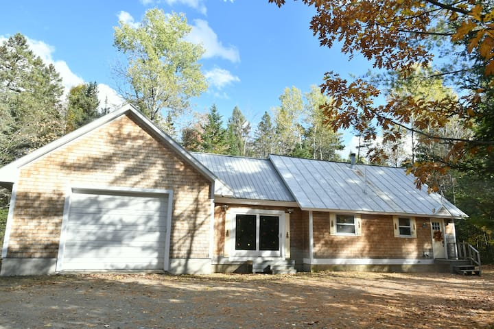 New Listing! Cozy Clean Home 6 Miles to  Sugarloaf