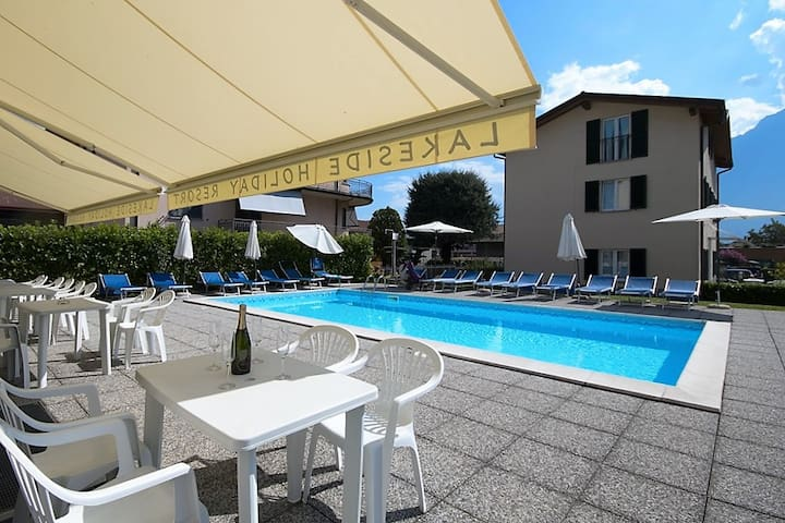 Apartment by the pool with garden - Domaso - Apartment