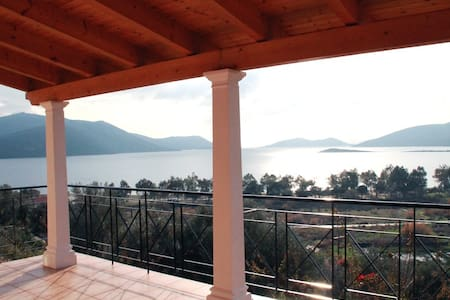 Beach Front Property in Evia - Agios Dimitrios - Casa