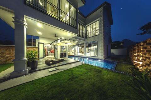 Atlantis Pool Villa @ Tambun Ipoh