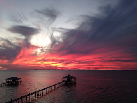 Private Loft, Olde Daphne. Sunset over Mobile Bay