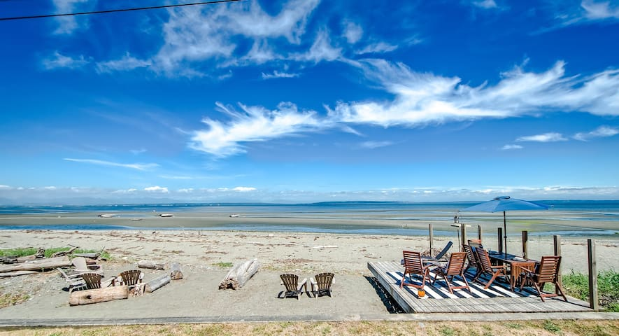Forever Sands - Point Roberts Rental, Sleeps 10