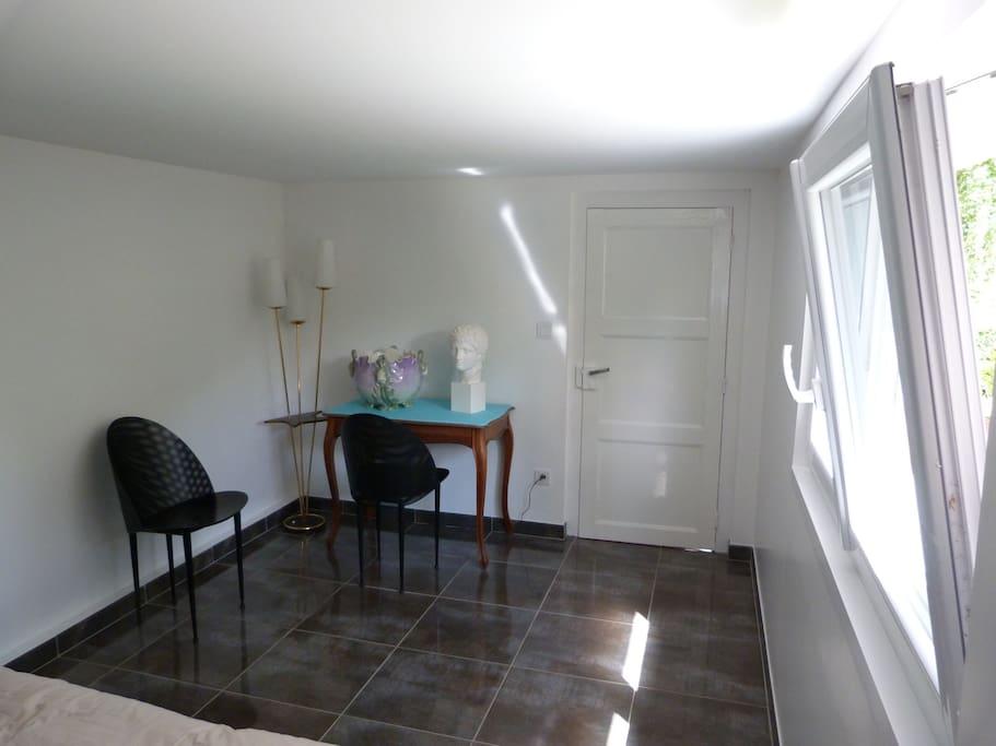chambre id ale pour les 24h du mans maisons louer le mans pays de la loire france. Black Bedroom Furniture Sets. Home Design Ideas