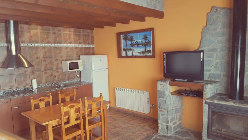 Apartamento en Plena Naturaleza - Girona - Apartamento