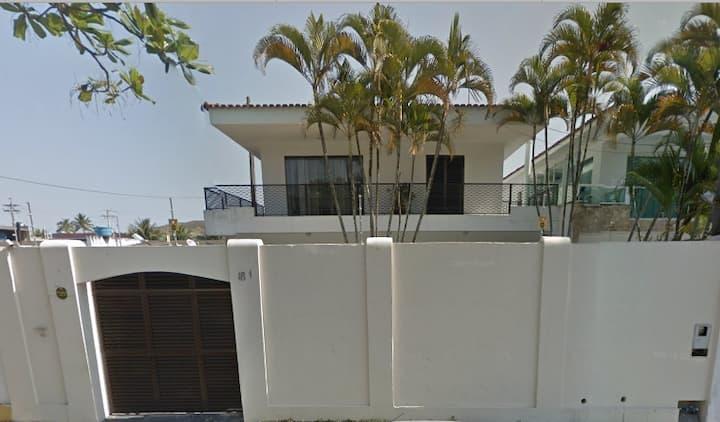 Casa Guarujá - Enseada - Piscina