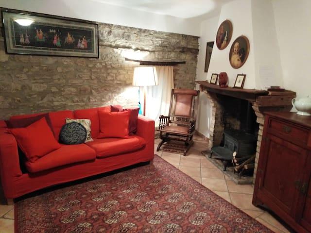 Piccolo cottage di collina
