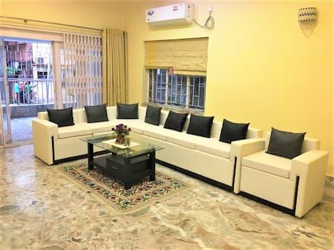 Lavish Apartment in the Heart of South Kolkata
