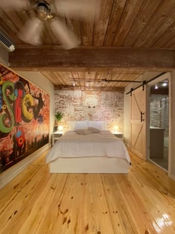 BED ROOM UPSTAIRS