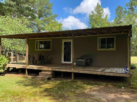Cozy cabin with lots of privacy in great location