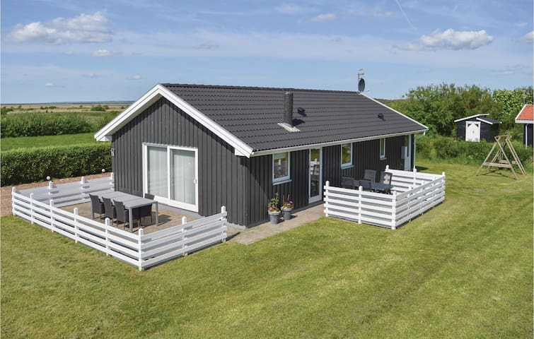 Holiday cottage with 3 bedrooms on 90 m² in Lemvig